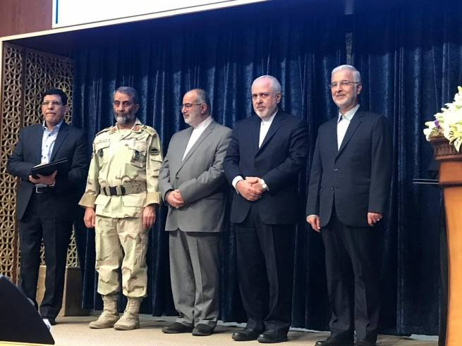 From Right: H.E. Dr. Eskandar Momeni, Secretary General of the Drug Control Headquarters; H.E. Mohammad Javad Zarif, Islamic Republic of Iran Minister of Foreign Affairs; H.E. Hesamodin Ashna, Advisor to President and Head of Center for Strategic Studies, Big. Gen. Ghassem Rezaei, Chief of border police, Dr. Hamid Sarami, Director of the Office of Research and Training Department of Drug Control Headquarters.