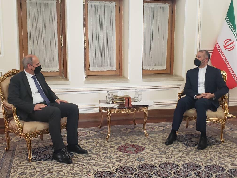 تقدیم استوارنامه هماهنگ کننده مقيم جدید سازمان ملل متحد در ایران به وزیر امور خارجه